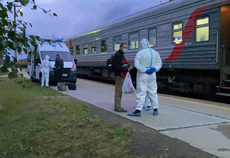 В ЯНАО пациент с коронавирусом сбежал из больницы и сел на поезд. ФОТО