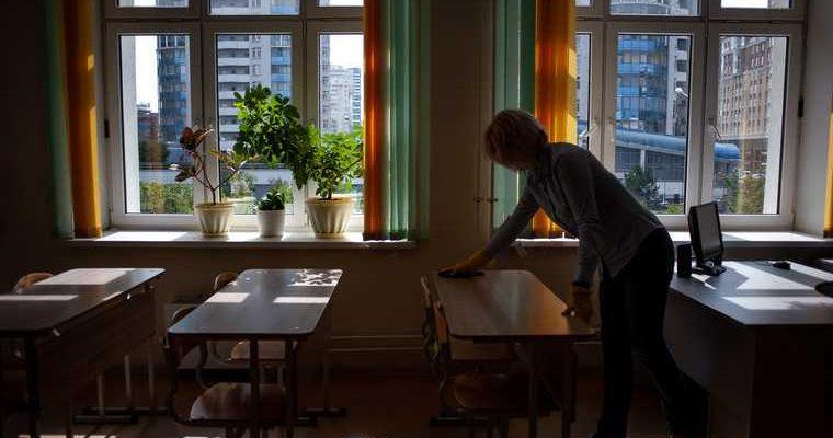 директора школы лишают работы после выборов