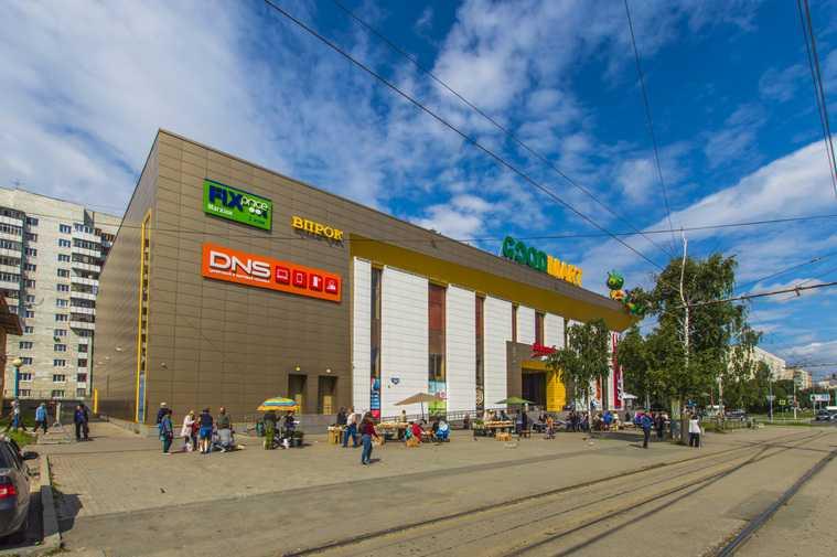 В Екатеринбурге пятилетнего ребенка затянуло в эскалатор