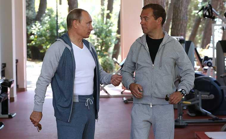 Путин и Медведев могут стать пожизненными сенаторами