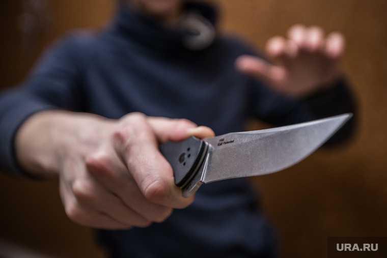 Екатеринбург Уралмаш мужчина отрезал пальцы грабеж