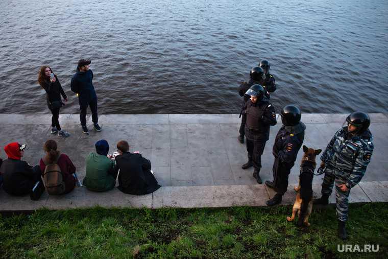 подростки несовершеннолетние комендантский час Свердловская область