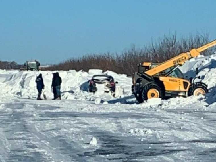 Челябинская область полиция МВД мародер автомобиль погода снег шторм буран снегопад трасса брошенные машины