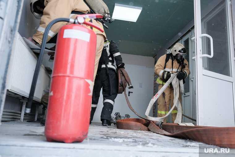 школа 19 Академический Павла Шаманова вспыхнул пожар сколько пострадавших