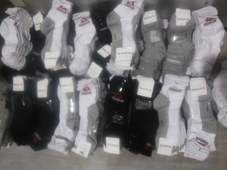 На курганской границе задержали носки Adidas, Reebok и Nike. Фото