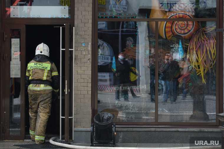 пожар Екатеринбург 30 апреля смотреть фото