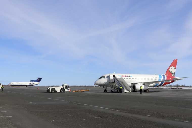 За реконструкцию крупного аэропорта ЯНАО рабочим задолжали деньги