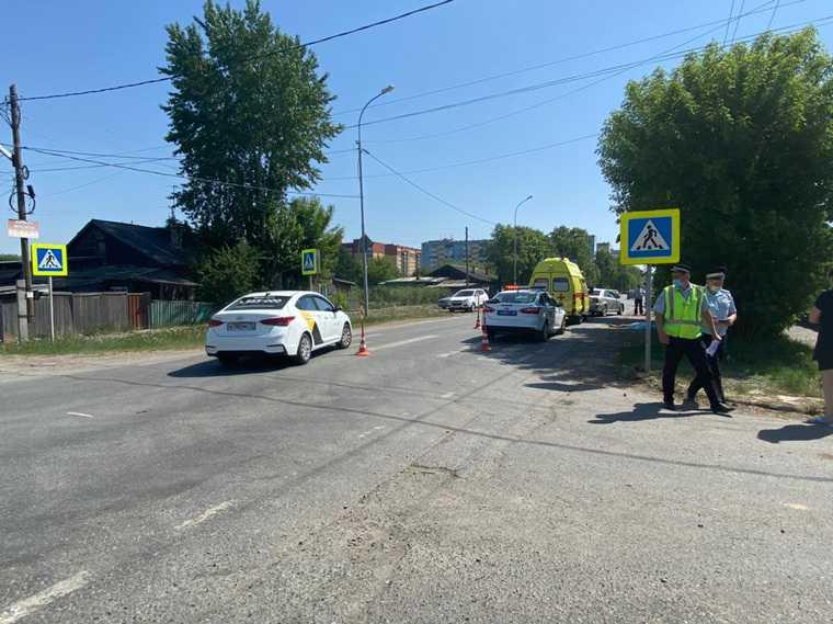 Тюменка насмерть сбила на машине пешехода. Фото