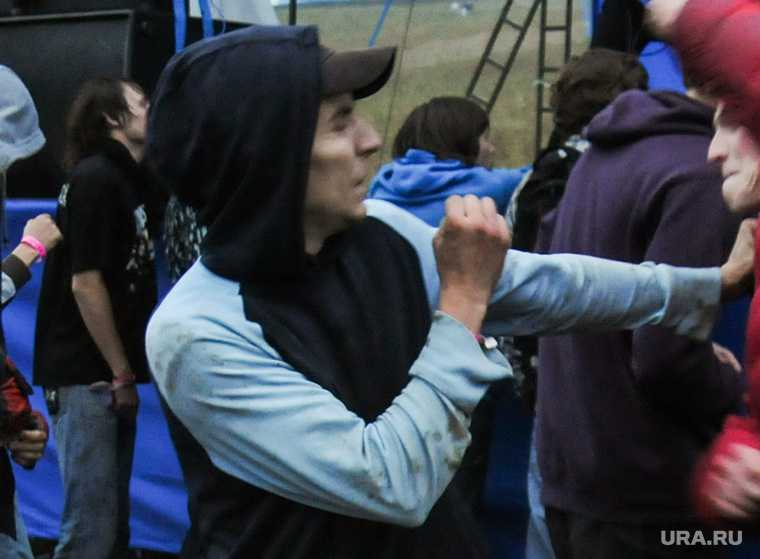 Челябинск Чурилово избил старика приемы рукопашный бой видео полиция розыск