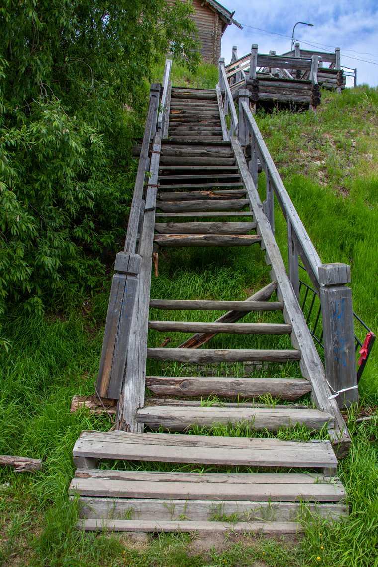 Деревянную лестницу в Салехарде отреставрируют за 4,3 млн рублей. Фото